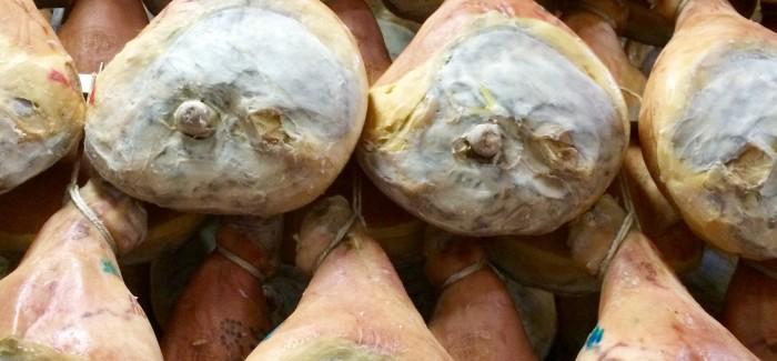 In gita da Citterio: come si fa il prosciutto