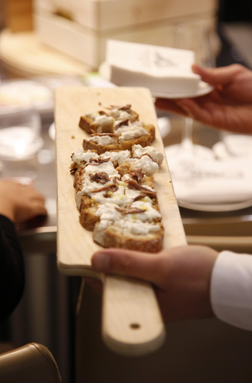 Cantin'ino del Gallia - tastings - panino stracciatella, acciughe e scorza di limone