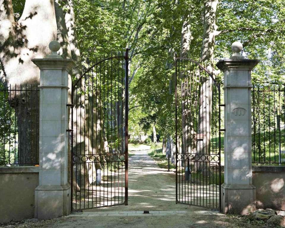 01-portail-chateau