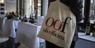 OlioOfficina_visitatore copia