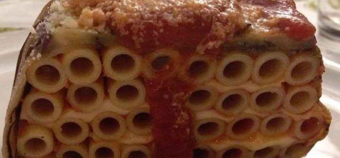 Pasta con le melanzane, la ricetta (quasi) perfetta