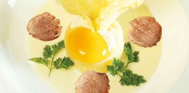 La ricetta della patata, uovo, fonduta e tartufo di Ivan Bartuccio
