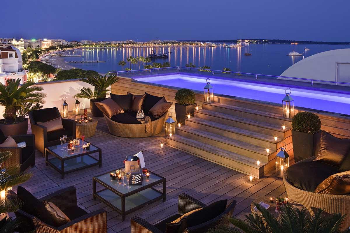 Cannes Majestic Barrière piscina