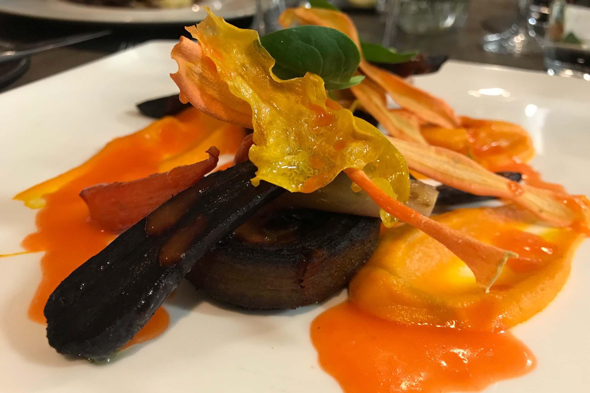 Roots ristorante diattico piatto carote colori consistenze