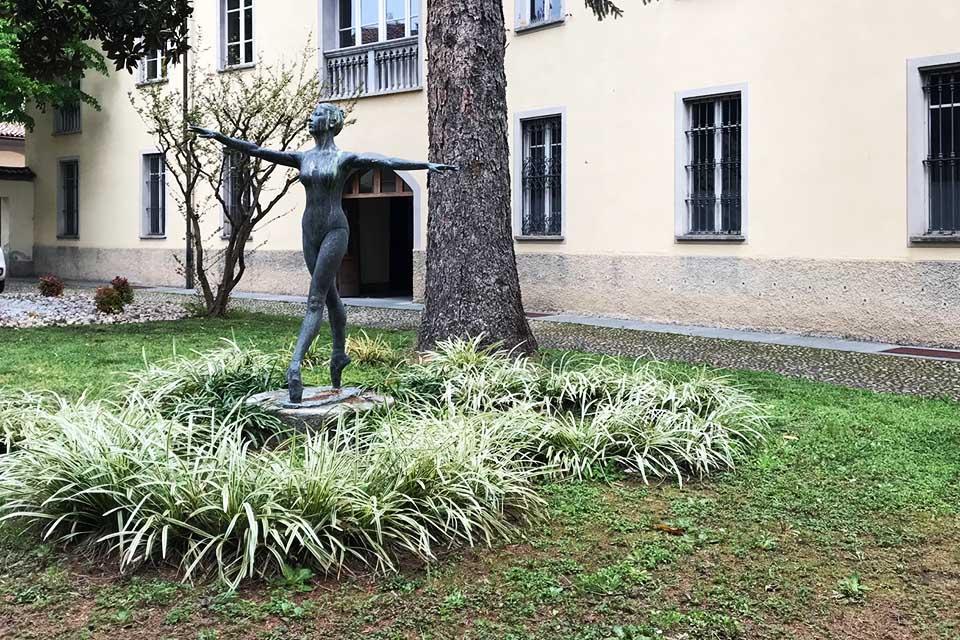 Acqui Terme danzatrice statua