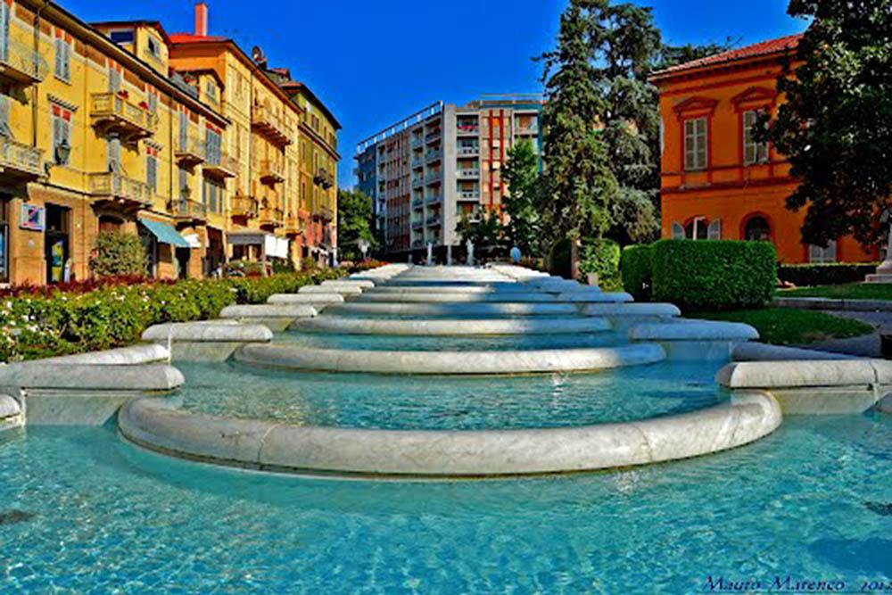 Acqui Terme fontana scalinata
