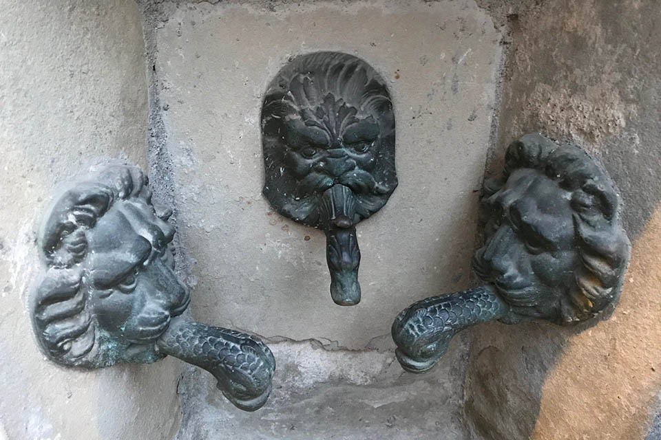Acqui Terme fontanina tre rubinetti