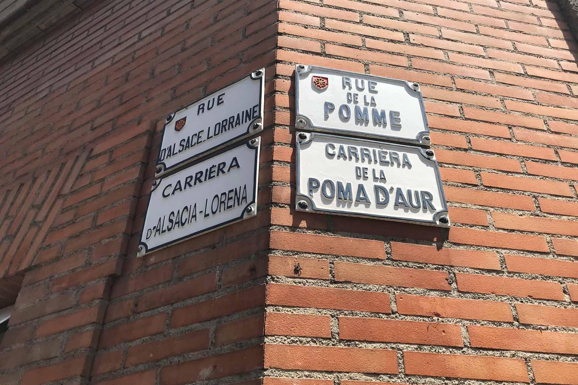 50 cose meravigliose Toulouse targhe bilingui