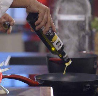 Alessandro Borghese: Kitchen Duel con l'olio extravergine Garda DOP
