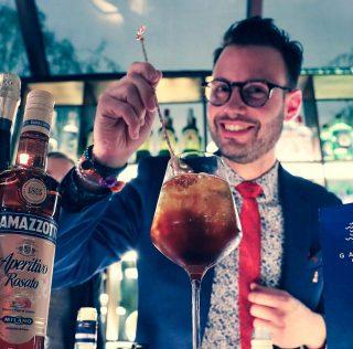 Gàrdami: nuovo cocktail imperativo da Ramazzotti e Garda Doc. Con istruzioni